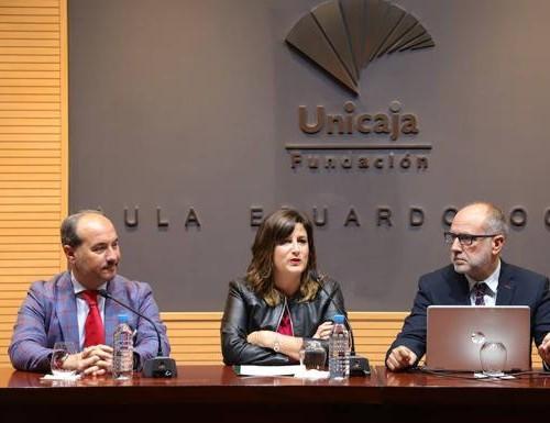 El doctor Rafael Ruiz participa en la conferencia '#Ruidoff. Por una vida sin ruido'